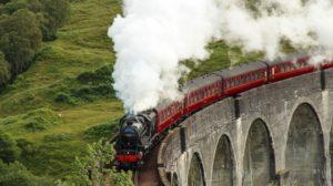 Viața este ca o călătorie cu trenul: urcăm, coborâm, există bucurii în unele stații, tristețe în altele…