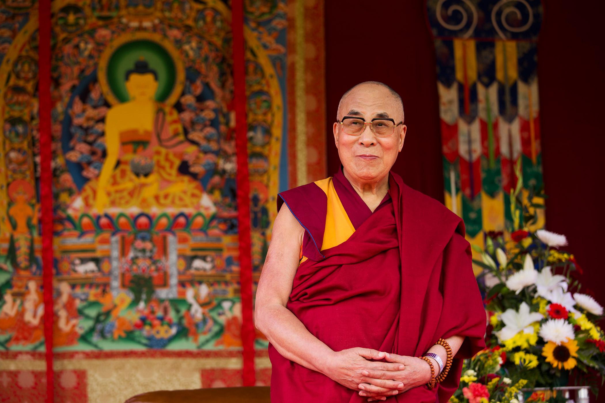 Aceste 8 sfaturi minunate, de la Dalai Lama, o să te facă să mergi înainte, orice s-ar întâmpla