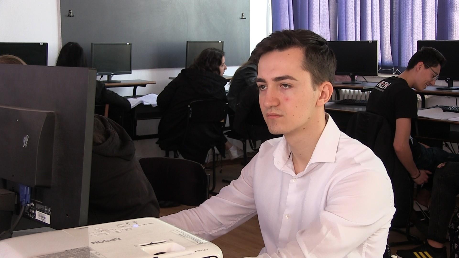 Un elev român de 17 ani s-a calificat la Olimpiada Geniilor, în SUA