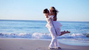 """Psiholog: """"Cuplurile fericite nu se """"etalează"""" pe Facebook…"""""""