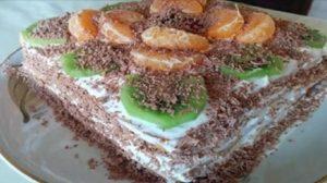 Tort debiscuiti fără coacere gata în 20 de minute: cea mai delicioasă, suculentă și simplă rețetă