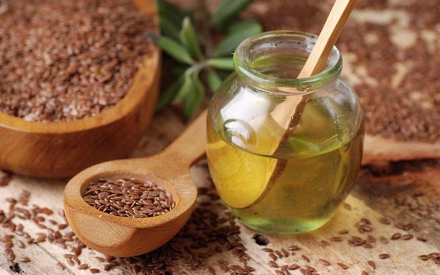 Amestecul de miere de albine si seminte de in este foarte benefic pentru organism. Curata colonul, desfunda arterele si creste imunitatea