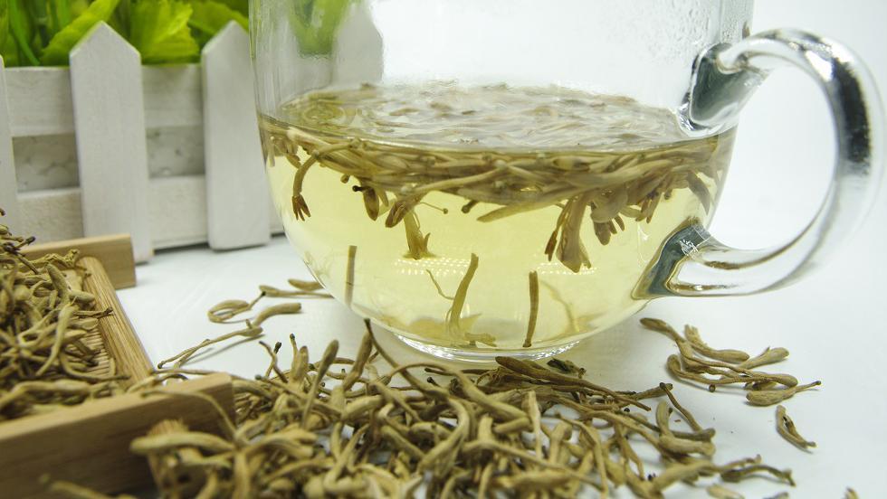 Un amestec de ceai pentru întărirea sistemului imunitar, reechilibrarea functiei ficatului, a pancreasului și a splinei