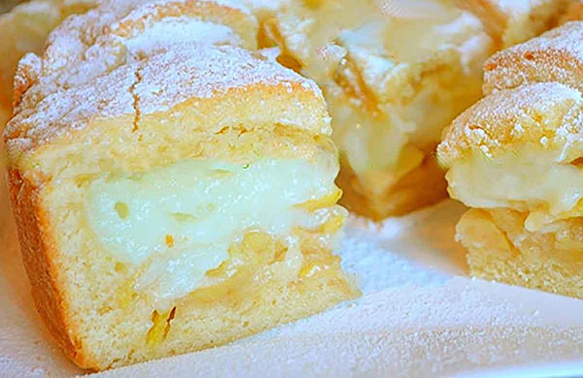 Prăjitură cu mere și cremă de vanilie – un desert fascinat, aromat și foarte delicat!
