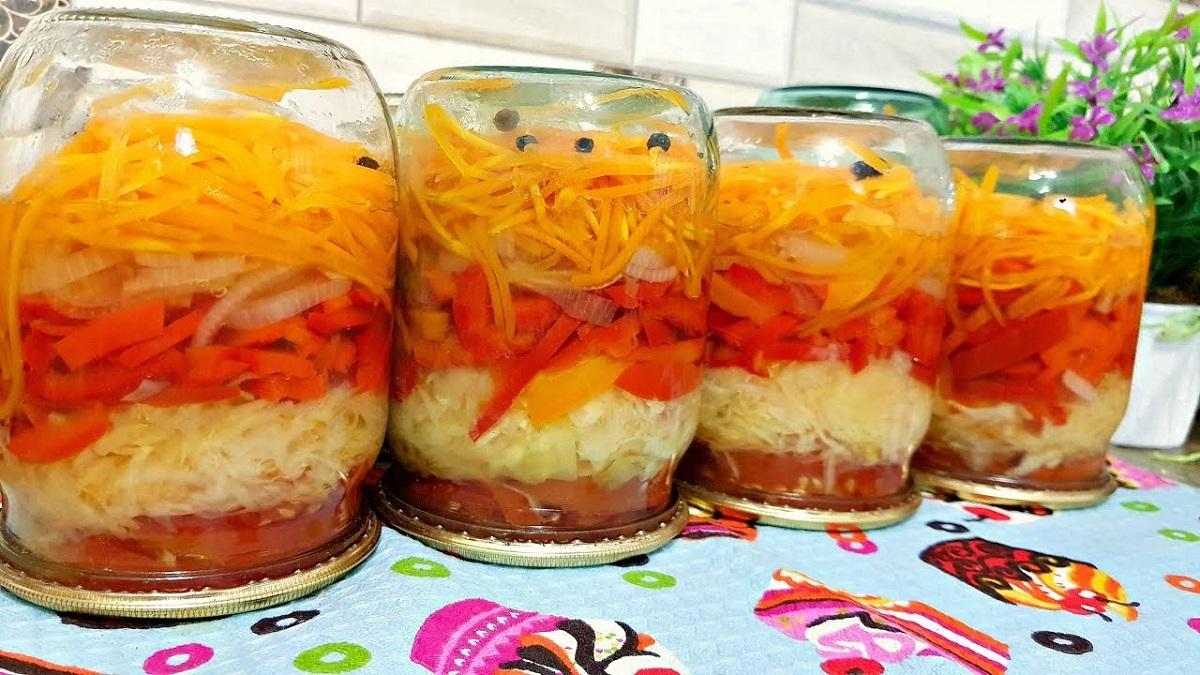 Salată leneșă la borcan, pentru iarnă – pregătiți din start o porție dublă!